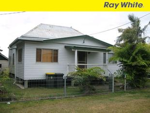 3 Bedroom House  with 2 Street Access - Maryborough