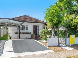 PERFECTLY POSITIONED COTTAGE - Clayfield