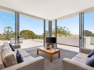 Luxury Penthouse with Oversized Entertainer's Terrace - Lane Cove