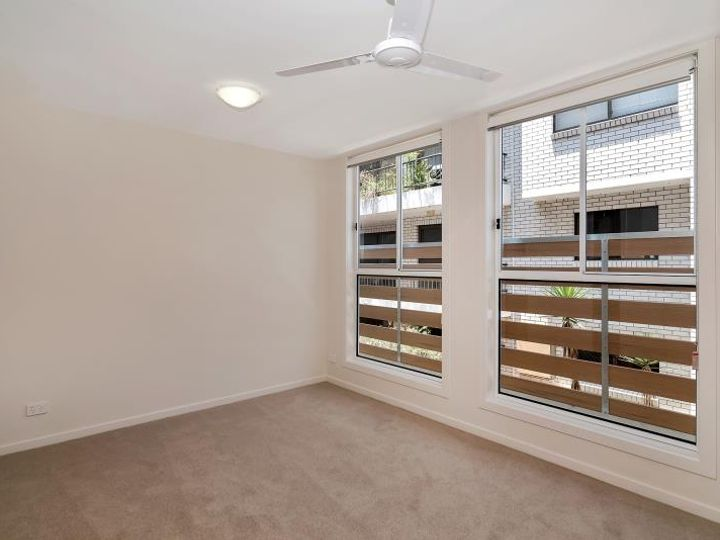 7/30 Lather Street, Southport, QLD