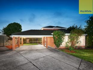 Spacious, Sun-Filled, Family Serenity - Wantirna South