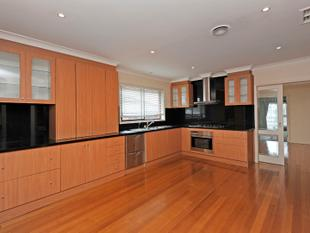 4 BEDROOMS, 3 BATHROOMS AND CLOSE TO EVERYTHING - Bundoora