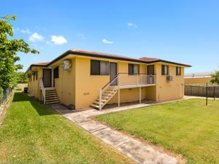 Unit faces Vine St., Quiet, convenient location. Great value, AFFORDABLE - Greenslopes