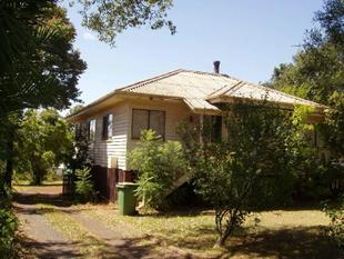 Great Budget Home Near The Uni - South Toowoomba