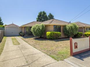 THE PERFECT FAMILY HOME - Epping