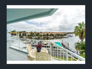 North facing penthouse with breath taking views! - Runaway Bay