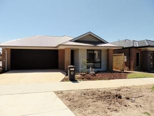 BRAND NEW AND READY FOR YOU! - Cranbourne West