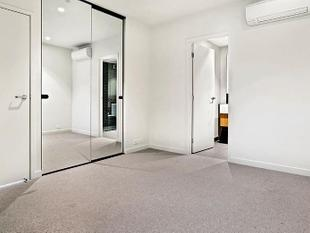 Modern Two-Bedroom Apartment - Great Location - South Yarra