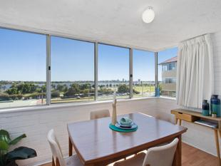 LOCATION LOCATION LOCATION! - East Perth