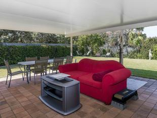 Best Buy Family Home - Helensvale