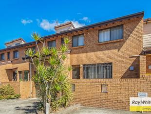 Delightful brick townhouse - Lurnea