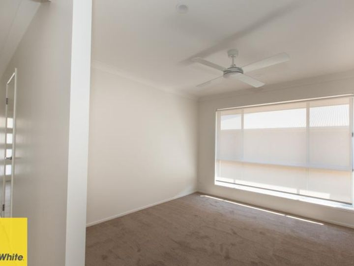 8 Smith Street, Burpengary East, QLD