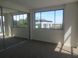 Private Sub Penthouse - 2 bedrooms, 2 car spaces, 2 storage spaces! - Beecroft