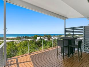 Freestanding House with Beach & White Water Views - Peregian Beach