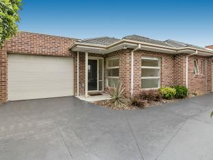 Easy living in perfect position - Mornington