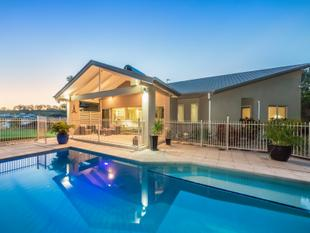 Privacy, Views, Elegance - It feels like home. - Ormeau Hills
