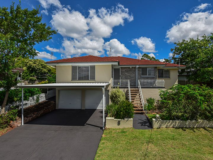 8 Veronica Court, Centenary Heights, QLD