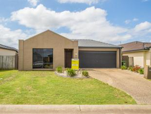 3 BED FAMILY HOME IDEALLY LOCATED TO ALL AMENITIES - Helensvale
