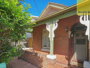 Large Two Bedroom with Double Lock Up garage with Rear Lane Access! Call 0404 348 981 ! - Marrickville