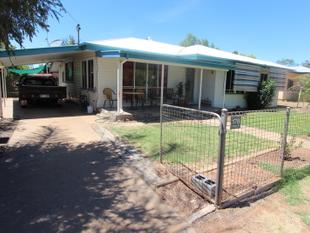 TAKE THE TIME TO CHECK THIS GREAT FAMILY HOME OUT! - Charleville