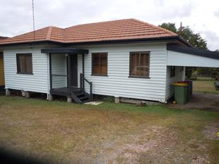 Bargin Rental Close to transport - North Booval