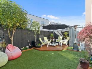 Under Contract - Call Agent for Similar - Sydenham