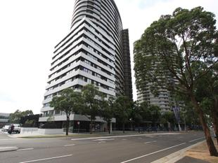 SPACIOUS APARTMENT 112 SQM WITH HUGE COURTYARD - Sydney Olympic Park