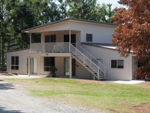 Oakhurst, 68 Old Mill Road