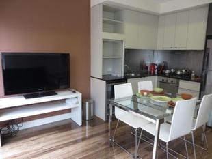 2 BEDROOM FURNISHED APARTMENT - Melbourne