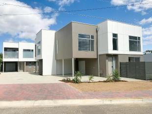 CAMBELLTOWN - 3 BEDROOM TOWNHOUSE - Campbelltown