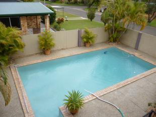 Stunning 3 Bedroom Home With A Pool - Upstairs only! - Maroochydore