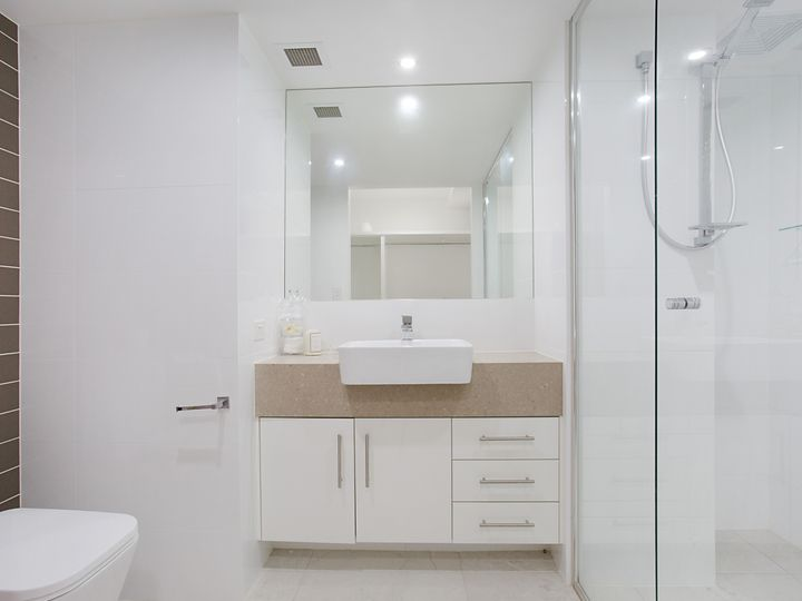 2 'Viscount Towers' 1 First Avenue, Surfers Paradise, QLD