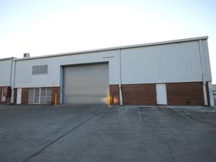 FOR LEASE - 734m2 INDUSTRIAL WAREHOUSE/WORKSHOP - Capalaba
