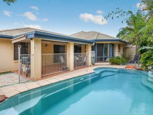 Modern Family Home - 4 Bed + Study, Large Living Zones, Great Entertaining,  Inground Pool & Huge Side Access! - North Lakes