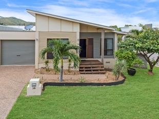 Stunning three bedroom home, perfectly located! - Douglas