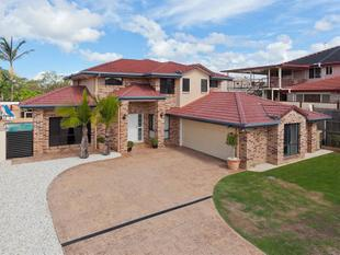 Outstanding Family Home in the Heart of Calamvale and in Stretton College Zone. - Calamvale