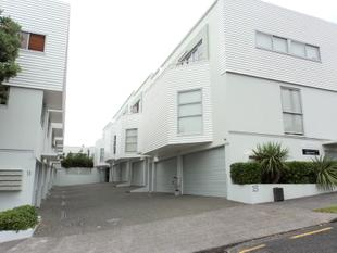 Townhouse convenience - Grey Lynn