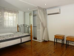 MODERN FULLY FURNISHED STUDIO/1 BEDROOM - Marrickville