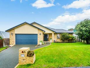 Perfect Location! Great Family Home - Albany