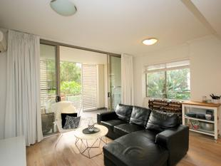 Stylish Courtyard Apartment - Furnished - Wentworth Point