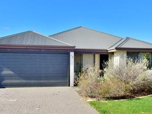 This property really does have it all !! - Ellenbrook