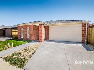 BLISSFUL LIVING IN A PRIME LOCATION - Cranbourne East