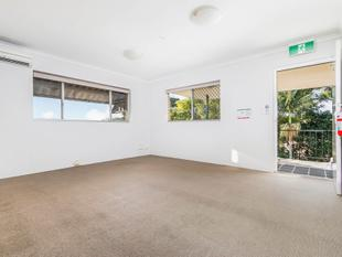 Top Floor Apartment - City Glimpses - Mount Gravatt