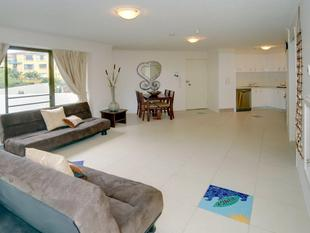 IDEAL BEACHSIDE INVESTMENT UNIT - Maroochydore