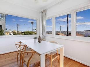 Freestanding home metres to Bondi Beach, offering the ultimate family lifestyle - North Bondi