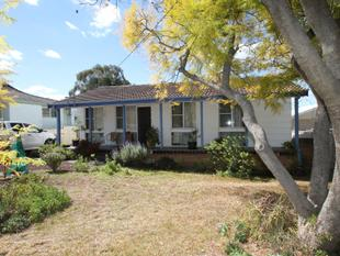 3 BEDROOMS & LARGE LIVING AREAS - Quirindi