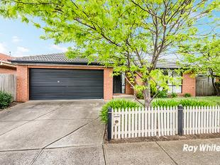 A PRACTICAL HOME IN A DESIRABLE LOCALE - Cranbourne East