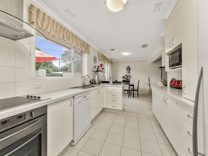 8 Halford Crescent, Page, ACT