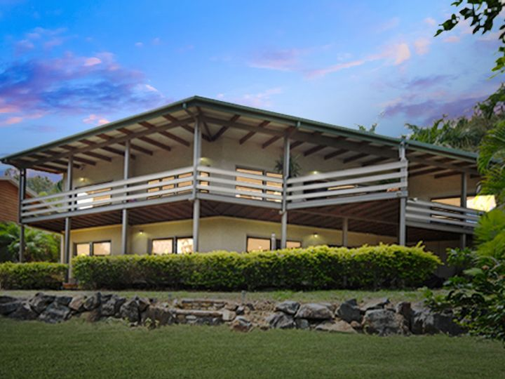 7 Country Road, Cannonvale, QLD