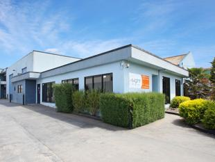High Clearance Office/Warehouse - Braeside
